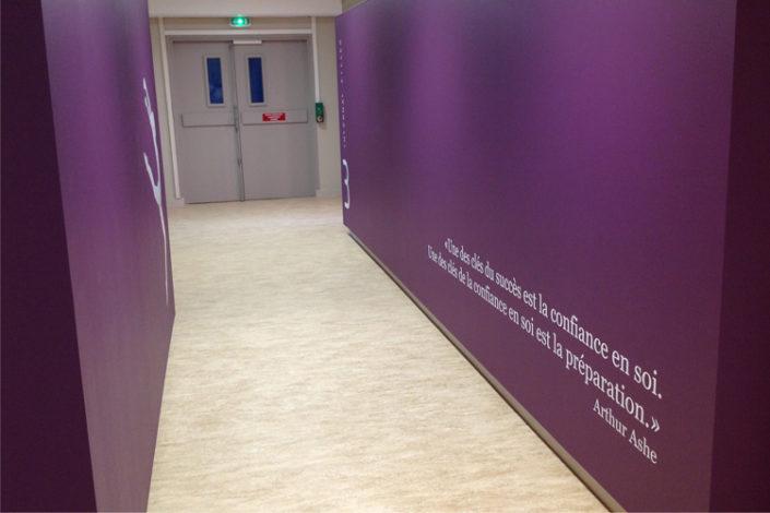 Lettres adhésives découpées pour l'internat du lycée La Colinière à Nantes
