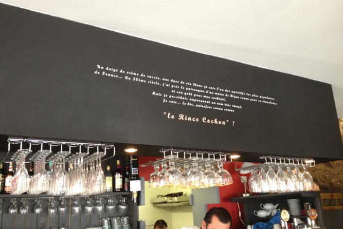 Adhésif découpé pour le restaurant/bar/brasserie Le Rince Cochon à Nantes