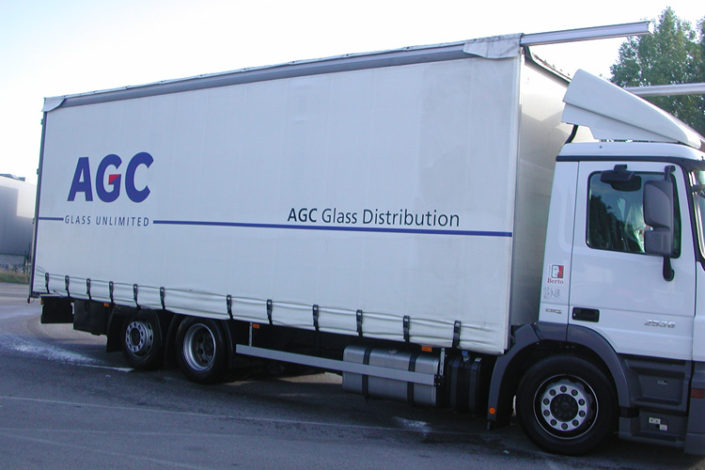 Bâche sur camion AGC Glass Distribution