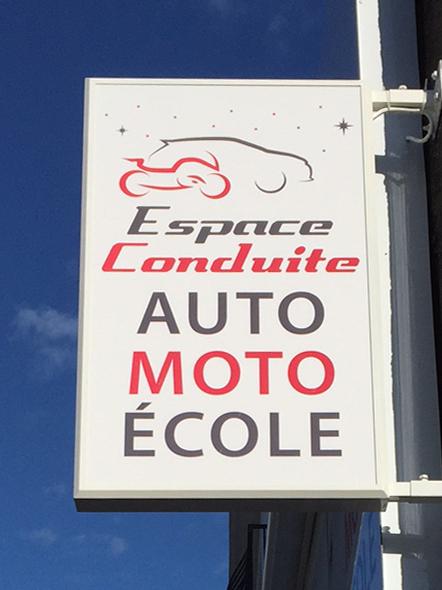 Caisson lumineux recto verso Espace Conduite auto moto école Nantes Saint Herblain route de Vannes