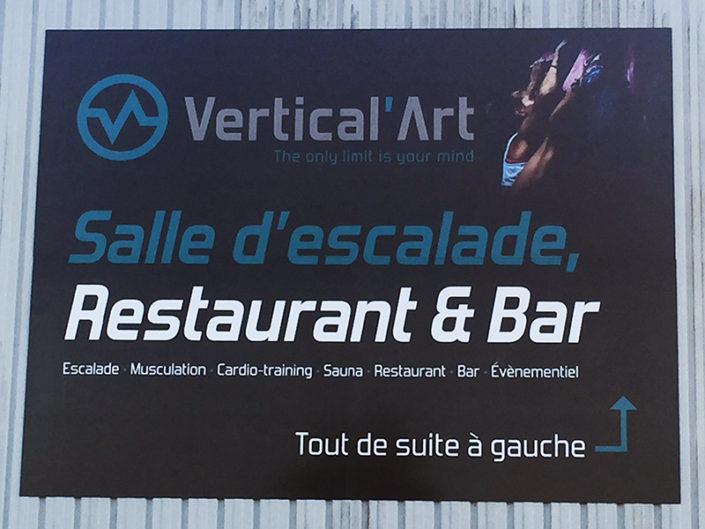 Panneau Dibond® 4x3 mètres pour une salle d'escalade à Nantes dans le Centre de Gros (44)