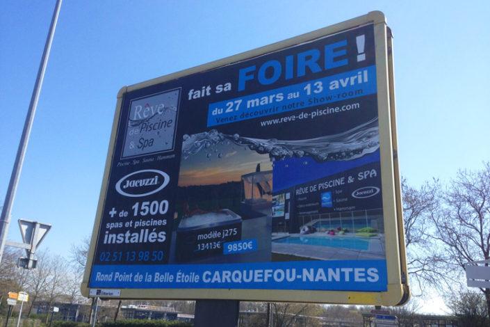 Affichage 4x3m Nantes promotion de prix foire pour rêve de Piscine.