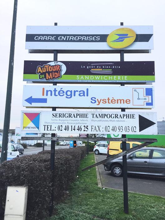 Panneau directionnel dans le Centre de Gros à Nantes