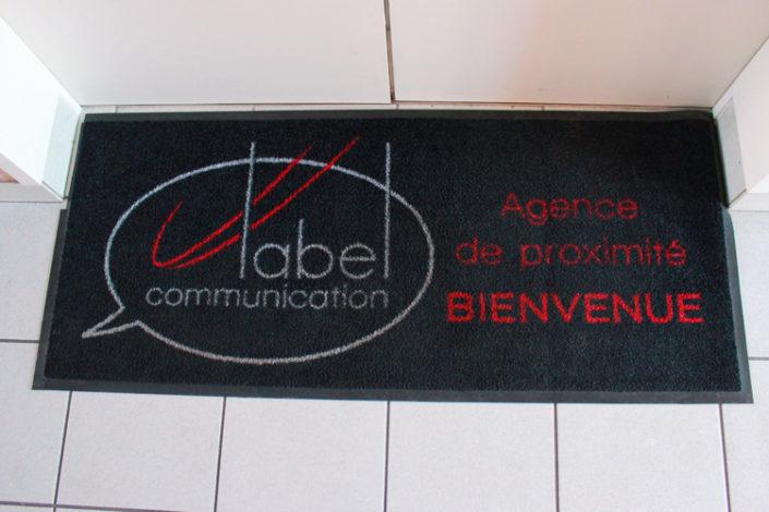 Tapis personnalisé d'entrée Label Communication agence de communication à Nantes