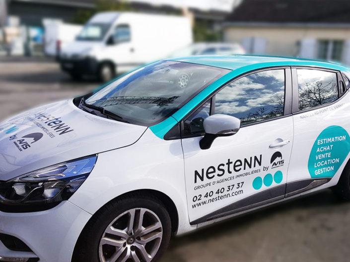 Flocage d'un véhicule commercial pour le groupe d'agences immobilières Nestenn by Avis (44)