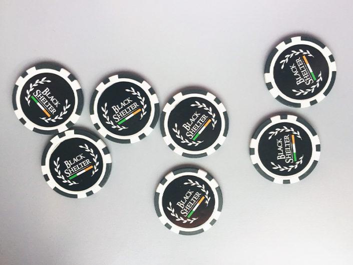 Personnalisez des jetons de poker pour fidéliser vos clients ou bien jouez au poker avec votre propre marque ! C'est un très beau cadeau que vous pouvez offrir.