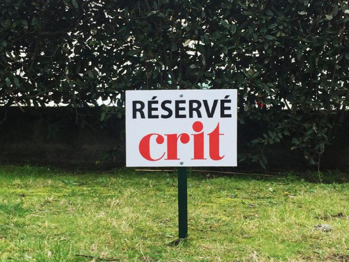 Panneau de syndic, stationnement réservé pour CRIT
